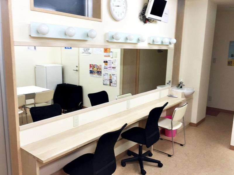 ビーステーションの控室1