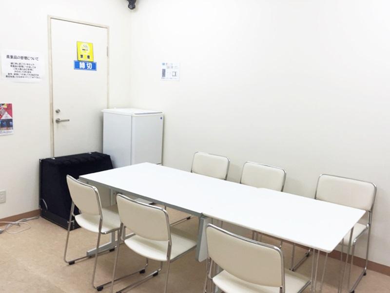 ビーステーションの控室2